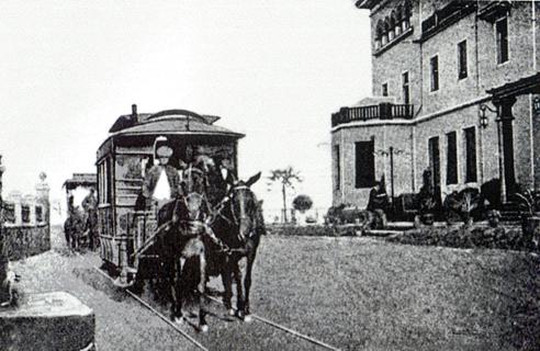 Parada de tranvía en el Gran Hotel
