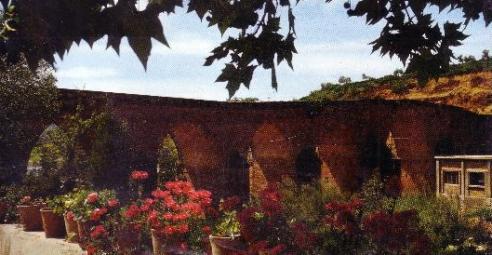 Vista del Puente del Balneario de Marmolejo