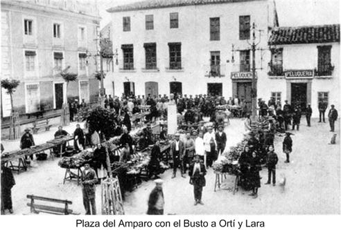 Plaza del Amparo con el Busto a Orti y Lara